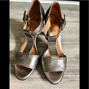 Beautiful heels by Sofft in size 7 medium